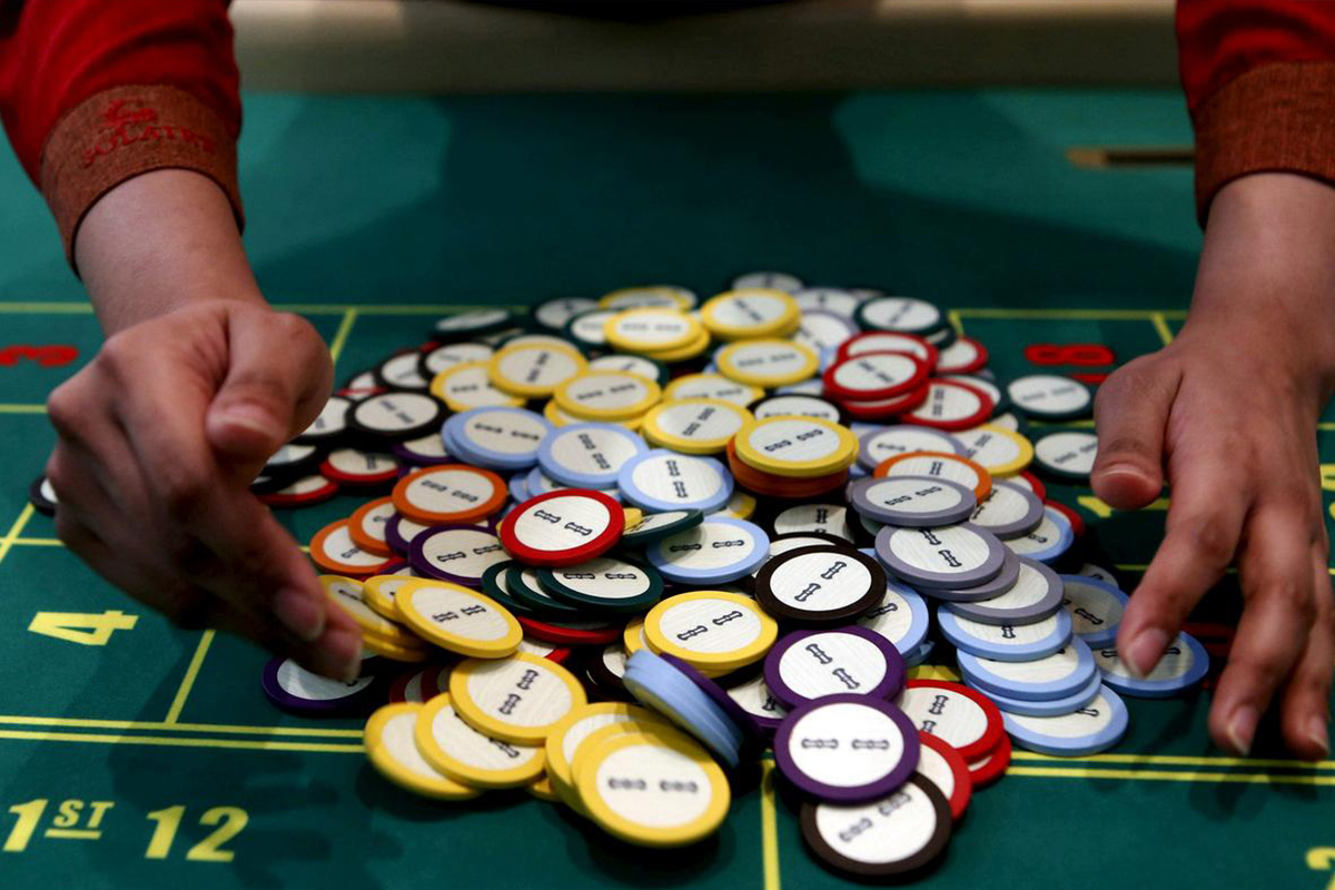 China Bans Gambling Content from Gaming Devices