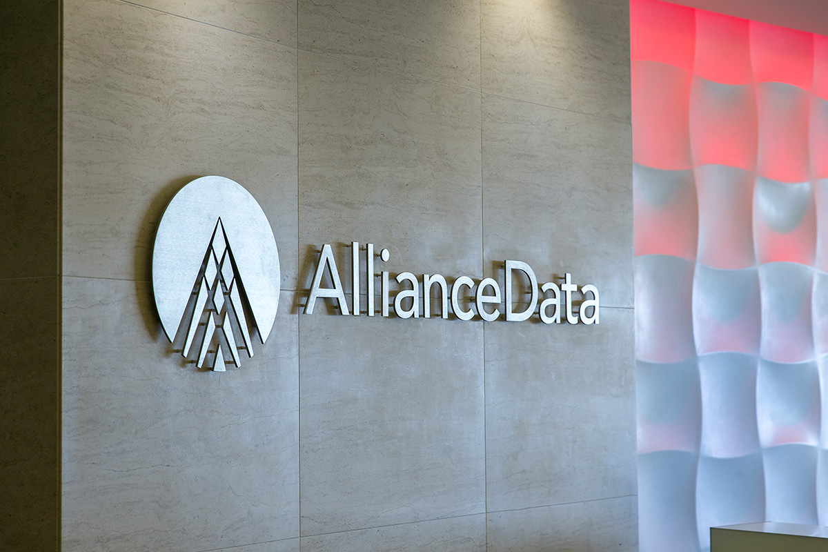 Alliance Data Signs Renewal Agreement with Caesars