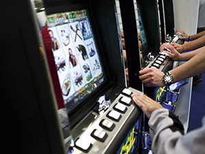 Online gambling booms in Italy as AWPs suffer