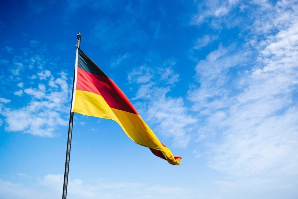 German Court Orders Suspension of Sports Betting Licensing Process Until Further Notice