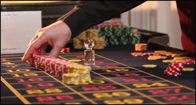 France begins re-opening casinos following eleven-week shutdown