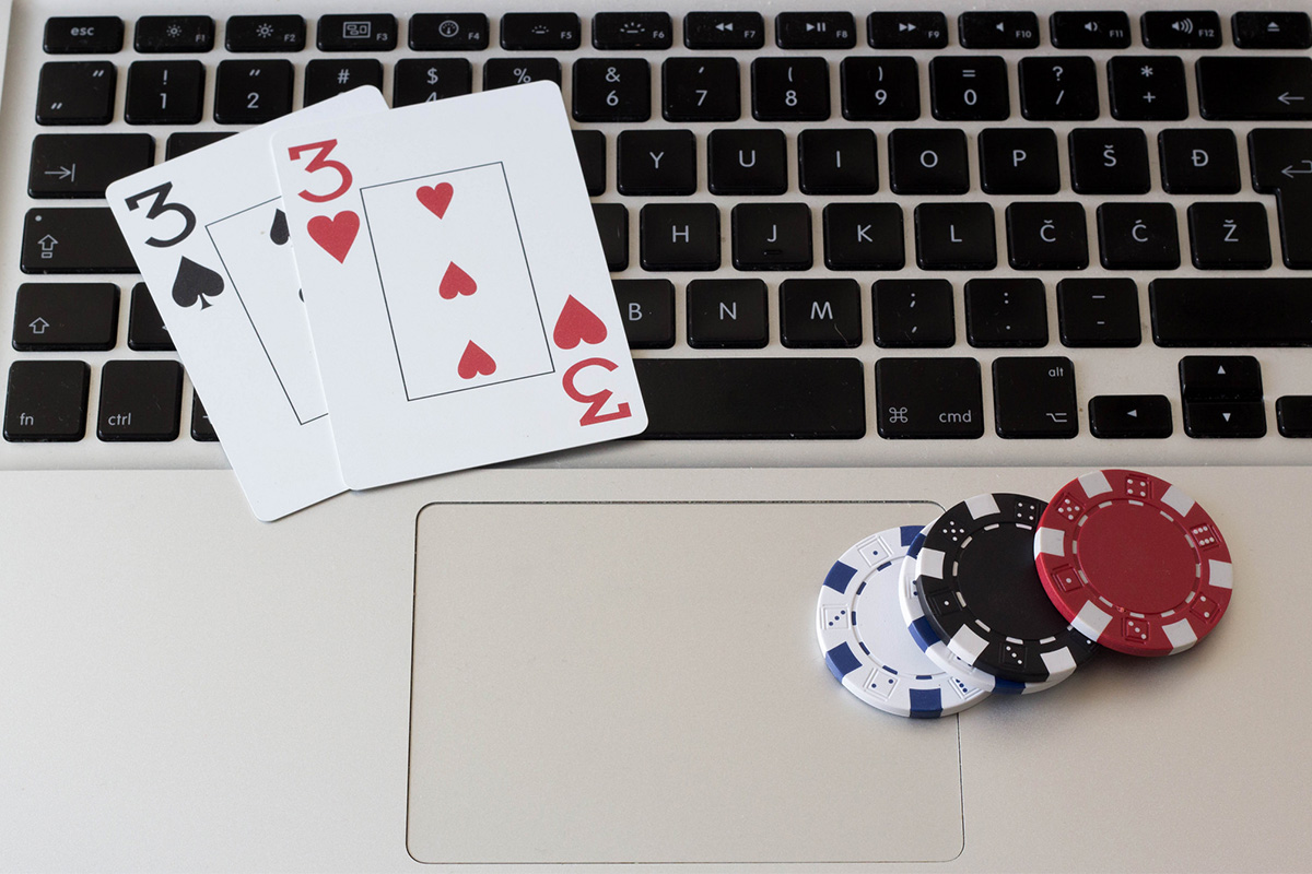 Vietnam Police Bust $859 Million Online Gambling Ring