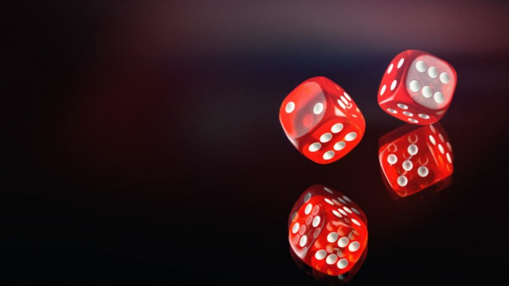 High speed gambling reduces self-control even among non-problem gamblers, experimental study shows