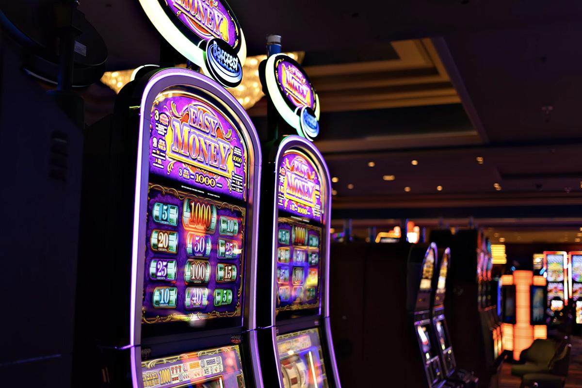 Czech Lawmakers Vote to Prohibit Slot Machines in Prague