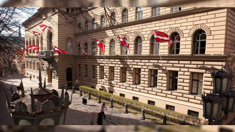 Latvia Parliament Approves Bill to Ban Alimony Debtors from Gambling