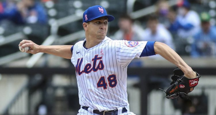 New York Mets' Ace Pitcher Jacob deGrom Leaves Game with Side Tightness