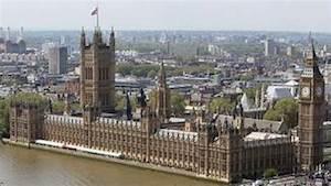 Lords demand ban on gambling logos