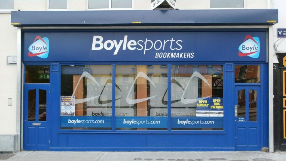 BoyleSports Shows Interest in William Hill Shops in the UK