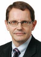 LVS executive MacDonald steps down