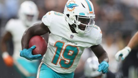 Miami Dolphins Trade WR Jakeem Grant to Chicago Bears for Draft Pick